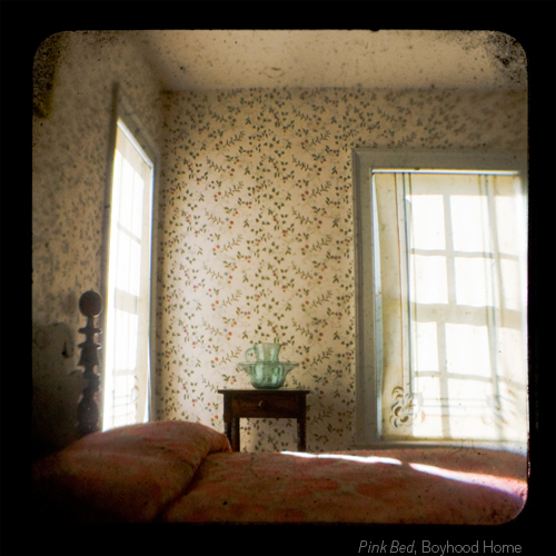 Pink Bed, Boyhood Home ©Emma Powell